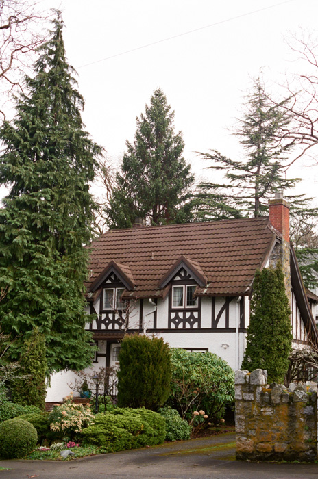 Victoria BC, Tudor Cottage, Tudor homes, airbnb, bed and breakfast, Canada, Pacific Northwest,  Amy Nieto Photography